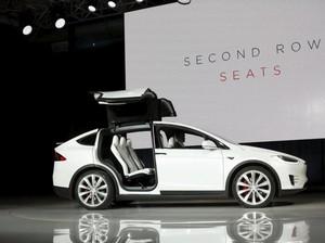 Tesla Luncurkan SUV Model X Versi Murah