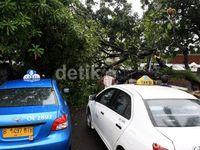 Hindari Parkir di 4 Tempat Ini Saat Musim Hujan