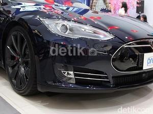 Mobil Listrik Tesla Didenda Karena Dianggap Timbulkan Polusi di Singapura