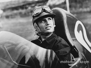 Wanita Pebalap F1 Pertama Wafat di Usia 89 Tahun