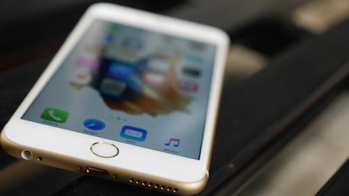 IPhone Kurang Perkasa, Pendapatan Apple Melempem