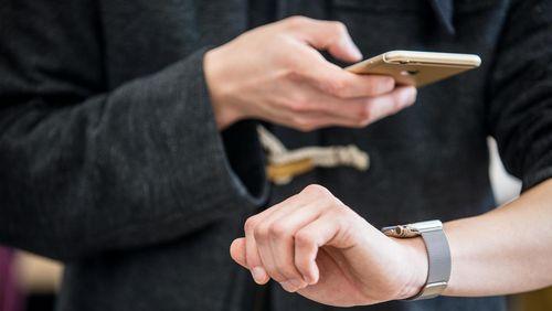 Apple Watch Lebih Populer Ketimbang IPhone