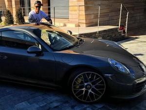 Cristiano Ronaldo Beli Porsche 911 Setelah Gagal di Ballon d