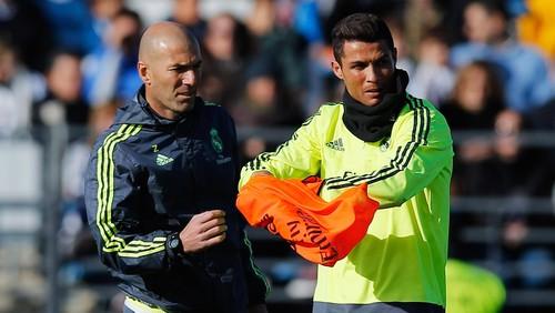Saat Zidane Adu Tendangan Bebas Lawan Ronaldo