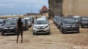 Kotor-kotoran dengan BR-V di Bali