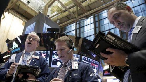 Wall Street Lesu di Awal Pekan