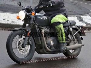 Inikah Triumph Bonnevile 900 cc?