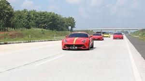 74 Pecinta Ferrari