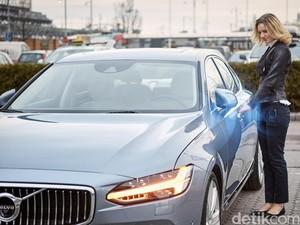 Anak Muda Lebih Berminat Beli Mobil Otonom