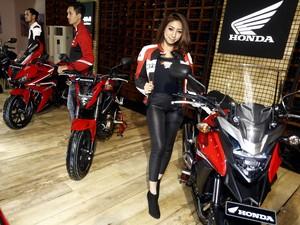 Beli Motor Gratis Istri? Ini Kata Honda