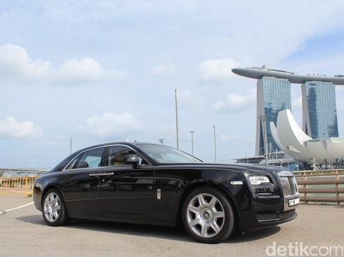 Butuh 60 Orang untuk Mendesain Mobil Cantik Rolls-Royce
