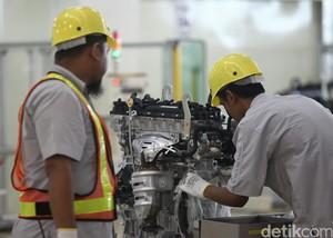 Melihat Proses Produksi Mesin Mobil Toyota