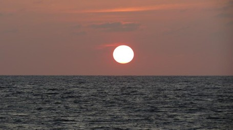 Inikah Sunset Paling Sempurna di Indonesia?