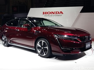 Honda Pasarkan Tiga Varian Clarity dengan Teknologi Berbeda