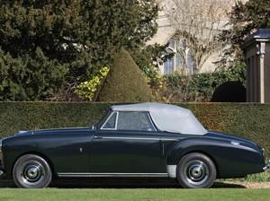 Aston Martin Milik Pangeran Philip Dilelang