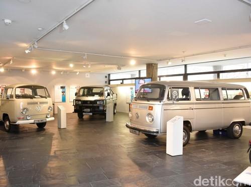VW Rayakan 60 Tahun Produksi Kombi di Hanover