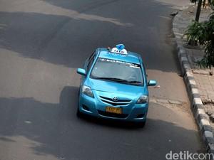 Beli Mobil Bekas Taksi, Apa Untungnya?