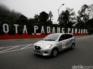 Tarian dan Atraksi Silat Tutup Datsun Risers Expedition di Padang