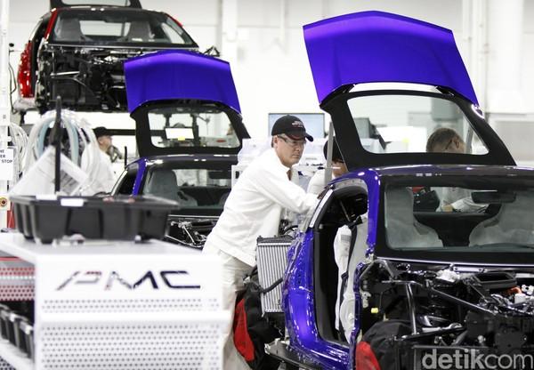 Mengintip Produksi Mobil Super Acura NSX