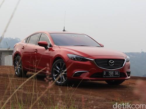 Mencicipi Sedan Termewah Mazda