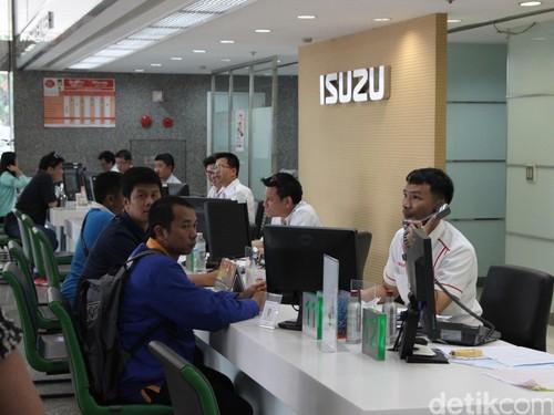 Melongok Service Center Terbesar Isuzu di Dunia