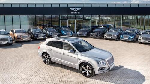 Bentley Bentayga Pertama Kali Dikirim ke Konsumen