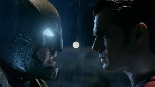 2ee96098 5cb9 46a4 bc39 e1039d770c28 169 » 'Batman V Superman' Bergeser Dari Puncak Box Office