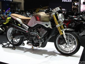 Honda Scrambler CB650 nan Mewah