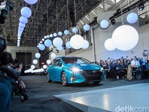 Harga Bensin Turun, Toyota Percaya Mobil Hybrid Masih Diminati