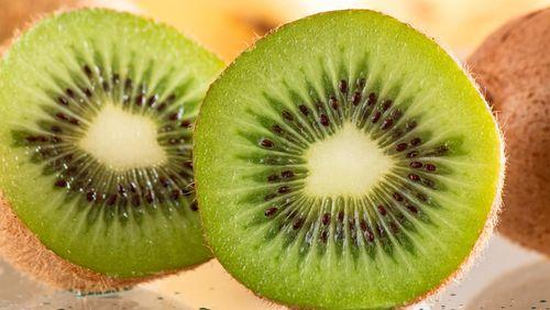 Manfaat Sehat Kiwi: Cegah Konstipasi Hingga Hingga Bantu Perbaiki Mood