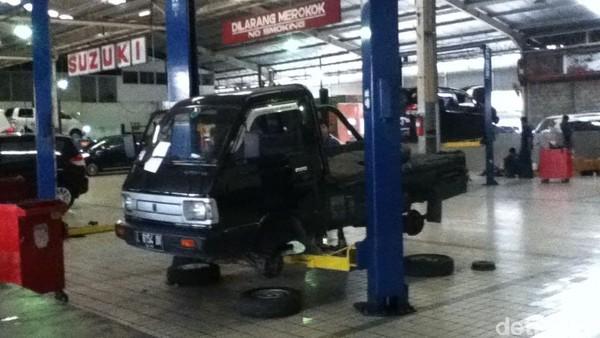 Intip Showroom Suzuki Terbesar di Surabaya
