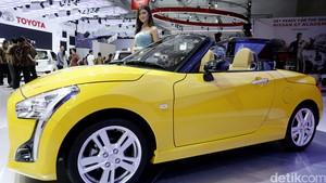 Mobil Mini Copen Curi Perhatian Pengunjung IIMS 2016
