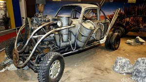 Movie Cars Mad Max Mejeng di IIMS 2016