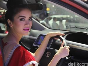 Cerita Miss IIMS 2016, Digoda Pengunjung Hingga Mimpi Jadi Puteri Indonesia