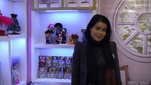 Wanita Ini Raup Omzet Rp 100 Juta/Bulan dari Jualan Boneka Handmade