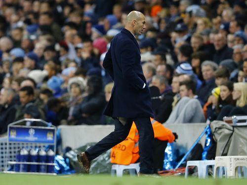 Ketika Celana Zidane Robek (Lagi)