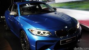 Ini Beda BMW M235i Coupe dengan BMW M2 Coupe