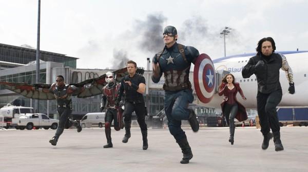 Ketegangan antara Captain America (Chris Evans) dan Iron Man (Robert Downey Jr) menjadi pusat konflik dari film tersebut. (Dok. Marvel Studio)