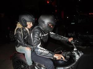 Bradley Cooper Ajak Lady Gaga Riding Naik Ducati XDiavel