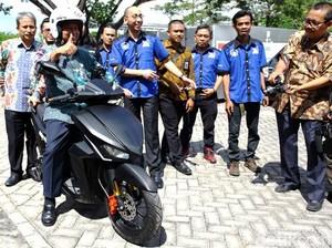 Menristek Lapor Perkembangan Riset Motor Listrik ke Jokowi