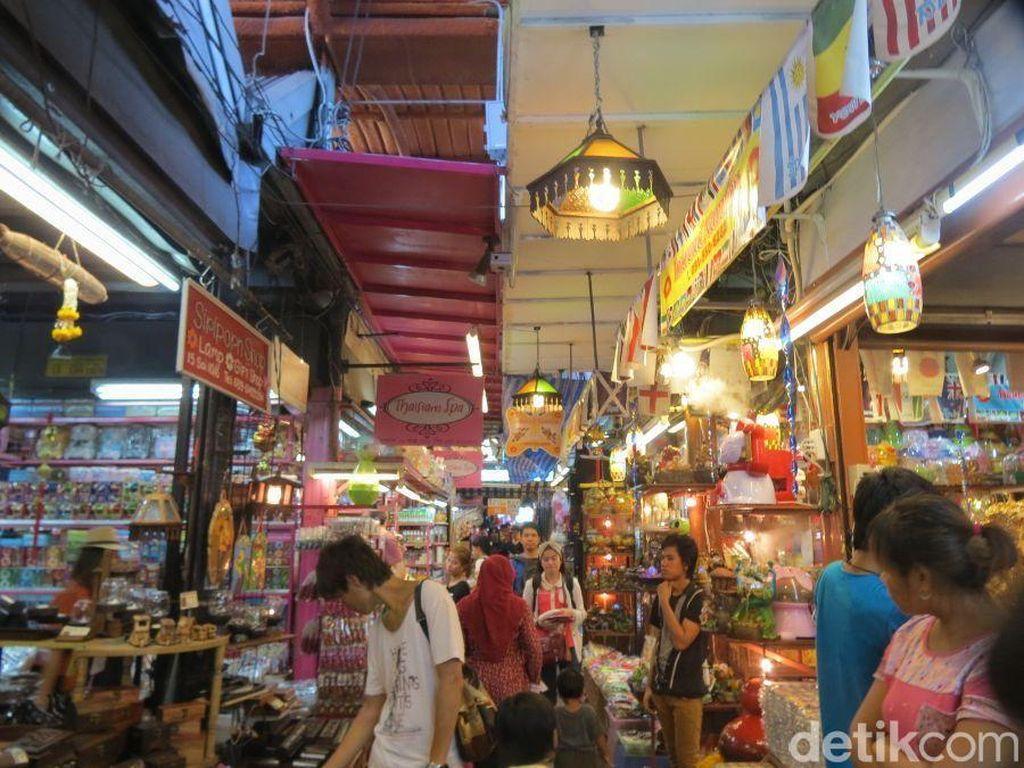 Long Weekend di Bangkok, Siap Gila Belanja di Pasar Chatuchak