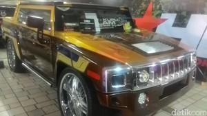 Panther Bergaya Hummer Jadi Raja di Kontes Modif HIN Tangsel