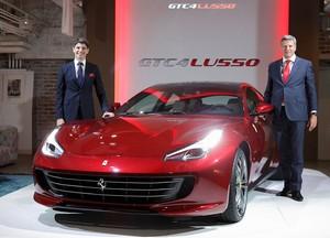Mobil Keluarga Ferrari Masuk Tanah Asia