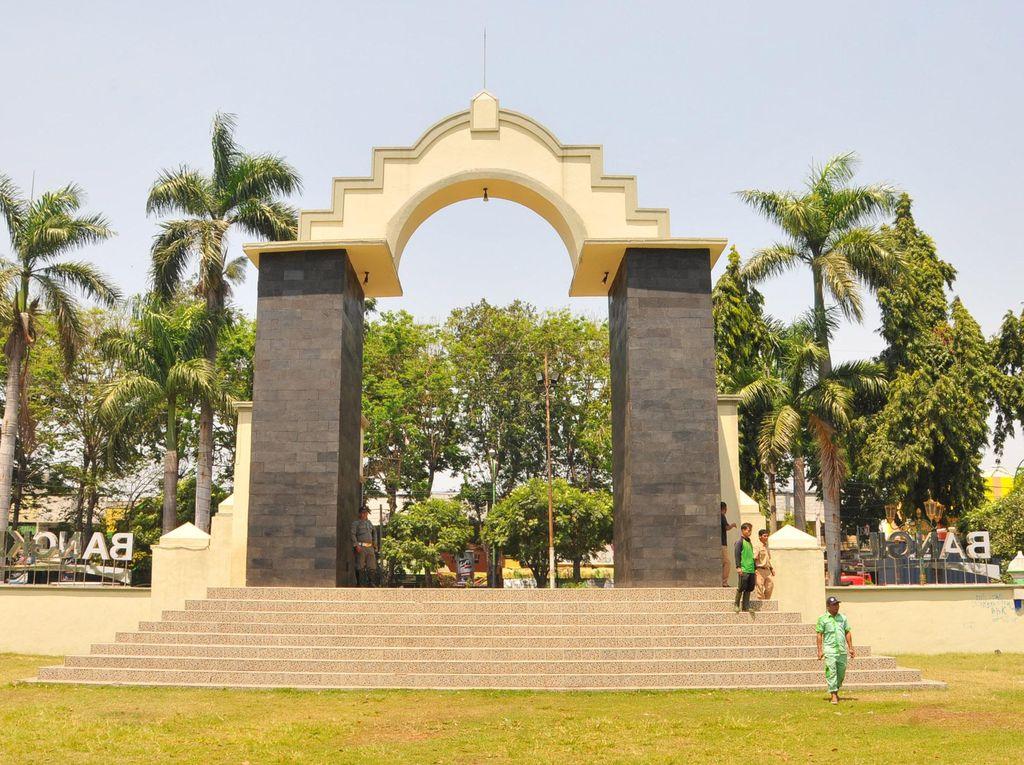 Alun-alun Bangil di Pasuruan yang Kian Cantik
