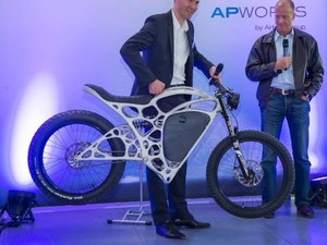 Keren! Sepeda Motor Ini Dibikin Pakai Printer 3D