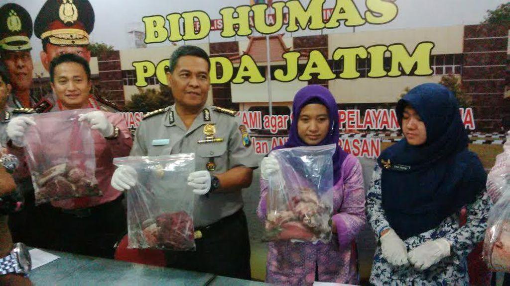 Polisi Bongkar Penjualan Daging Sapi Dicampur Daging Babi di Surabaya