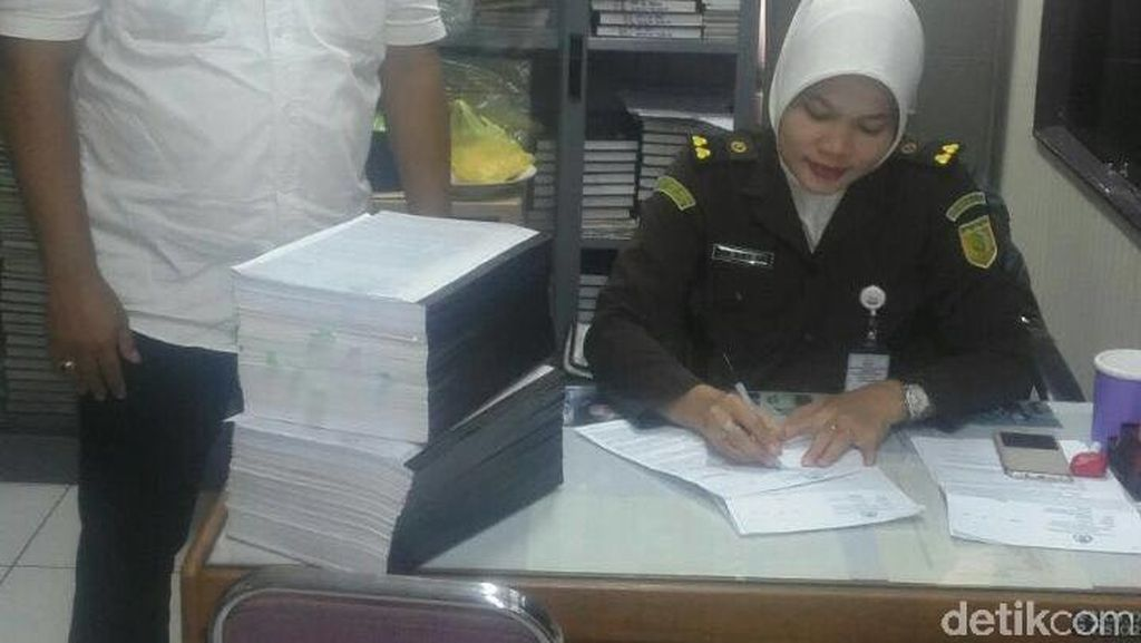 Penampakan Tebalnya Berkas Jessica dari Penyidik Polisi ke Kejaksaan