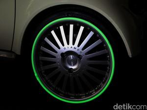 Keren, Pelek Mobil Glow in The Dark