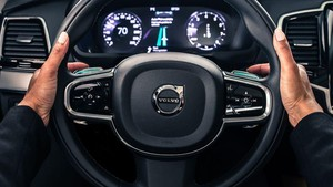 Meski Ada Mobil Otonom, Volvo Tidak Hapus Mobil Berpengendara