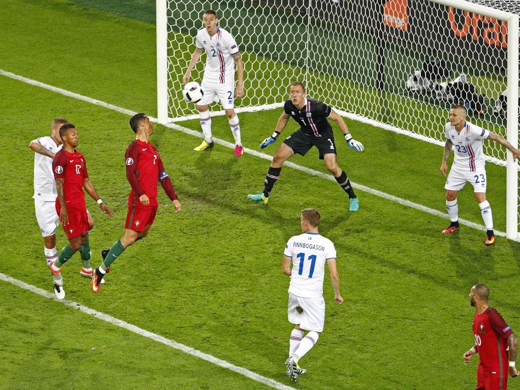 Pertahanan Kaku Islandia yang Membuat Ronaldo Frustrasi